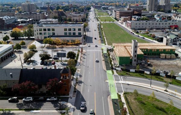 Article image for 15 in-city highways that need transformation