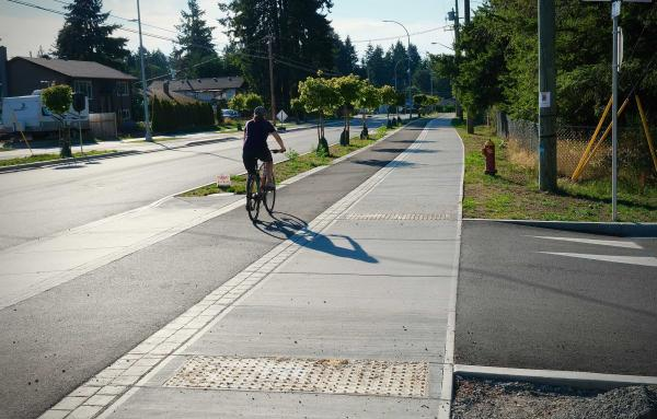 Article image for Where sidewalks and bike paths have priority